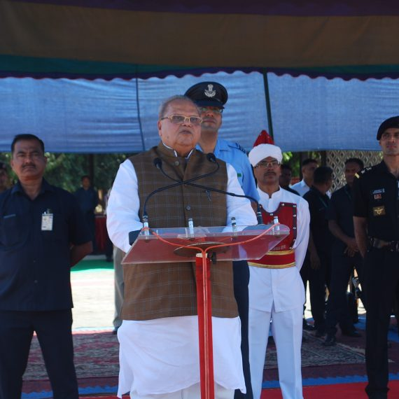 Governor attends 109th Anniversary of Corps of Signals