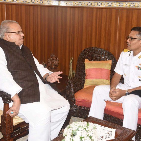 Commodore T.V.N. Prasanna, VSM, CO, INS Mandovi called on Governor of Goa at Raj Bhavan on Jan.6, 2020