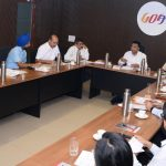 मुख्यमंत्री डॉ. प्रमोद सावंत हाणी मुख्य सचिव, सचिव, आयएएस, आयपीएस, आयएफएस आणि राज्य सरकारच्या अधिका अर्थसंकल्पपूर्व बैठक घेवन आगामी आर्थिक वर्साखातीर विकास कार्यक्रमाची योजना आखली