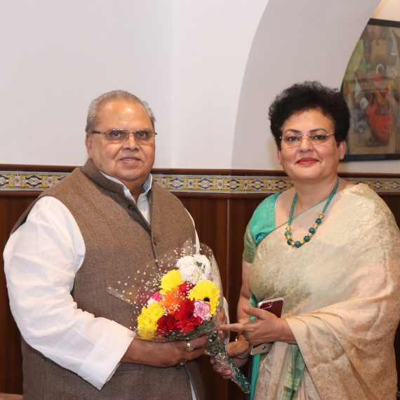 Governor of Goa, Shri Satya Pal Malik interacted with Smt. Rekha Sharma, Chairperson of National Commission for Women during her courtesy visit at Raj Bhavan, Donapaula on March 3, 2020.
