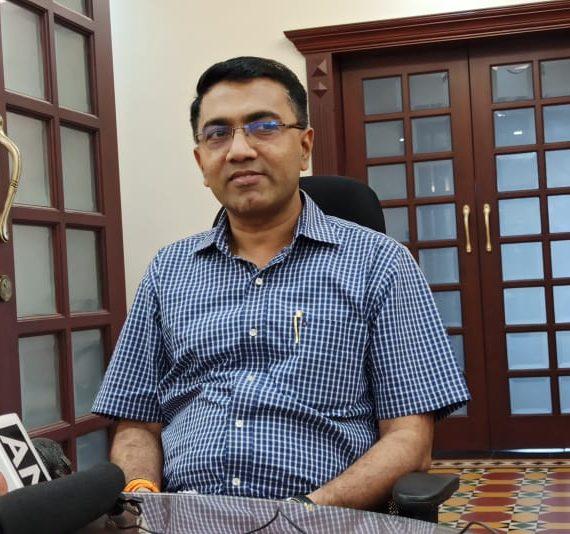२९ मार्च, २०२० ह्या दिसा,अल्तिन्हो पणजी आपल्या निवासस्थानांन मुखेलमंत्री डॉ. प्रमोद सावंत,प्रेसाकडे उलयताना