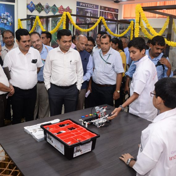 "Chief Minister inaugurates the ""Innovation Hub"" at Goa Science Centre & Planetarium, Miramar on Jul.1, 2019.-min"