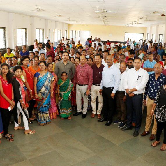 आदिवासी कल्याण खात्याचें मंत्री श्री गोविंद गावडे 16 नोव्हेंबर 2019 ह्या दिसा बाटी , गोयं वेल्हा हांगा येवजण जागरूकता कार्यक्रमाक उपस्थित आशिल्ले .