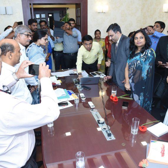 मुखेलमंत्री डॉ. प्रमोद सावंत हाणीं अल्तीन्हो पणजी हांगा आपल्या घरांन विद्यार्थी आनी शिक्षकांखातीर 'दिक्षा 'हो एक डिजिटल प्लॅटफॉर्म लाँच केलो .