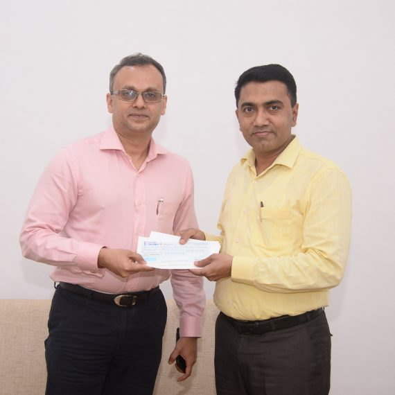 Chairman of Dempo Charitable Trust handed over a Cheque of Rs. 10 Lakhs to the Chief Minister's Relief Fund at Panaji on Sept. 24, 2019.