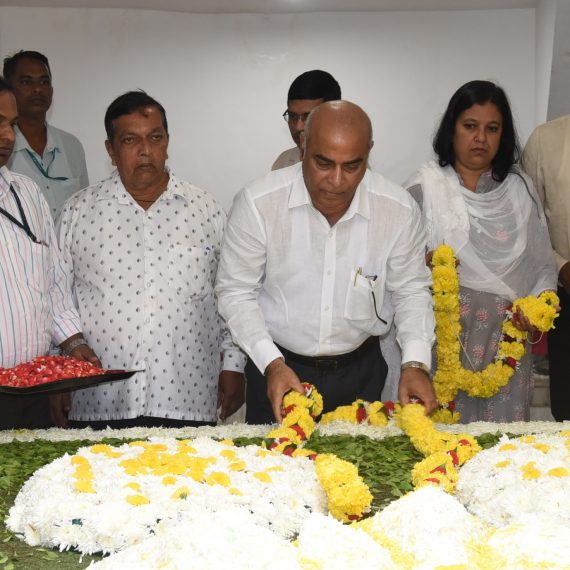 Dy. Chief Minister paid tributes to Goa's first Chief Minister, Late D.B. Bandodkar at Miramar on Aug. 12, 2019.