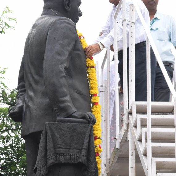 Dy. Chief Minister paid Tributes to Goa's first Chief Minister, Late D.B. Bandodkar at Panaji on Aug. 12, 2019.