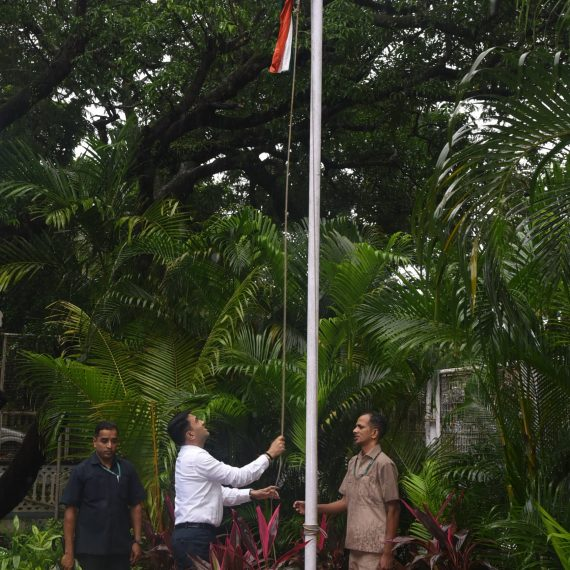 Chief Minister, Dr. Pramod Sawant unfurled the National Flag in the campus of his Official Residence (Mahalaxmi) on the occasion of Independence Day Celebration at Altinho Panaji on August 15, 2019.