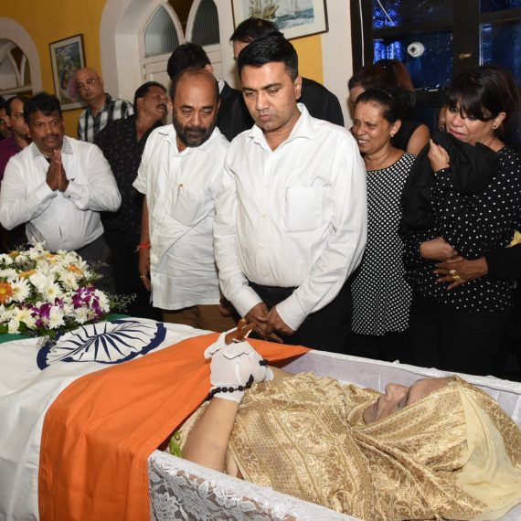 Chief Minister, Dr. Pramod Sawant paid floral Tributes to Ex. Minister and Dy. Speaker of Goa Legislative Assembly, Late Smt. Victoria Fernandes at her St. Cruz residence on September 9, 2019.