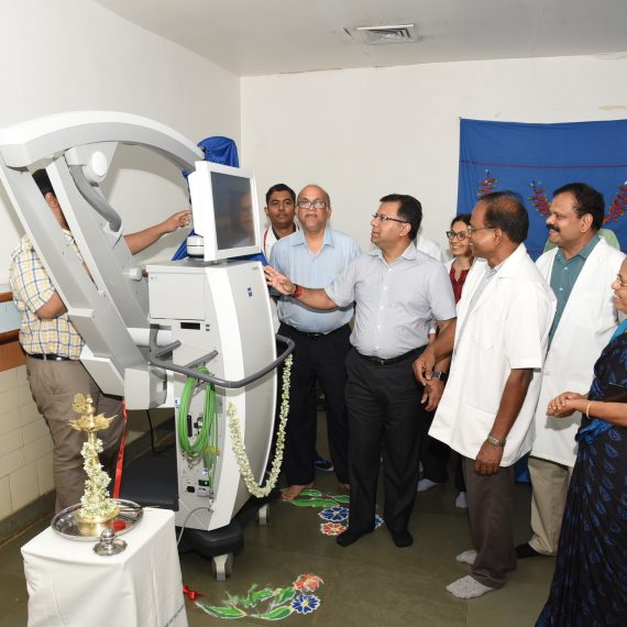 Health Minister inaugurates Microscope at GMC&H, Bambolim on Jul. 3, 2019.-min (1)