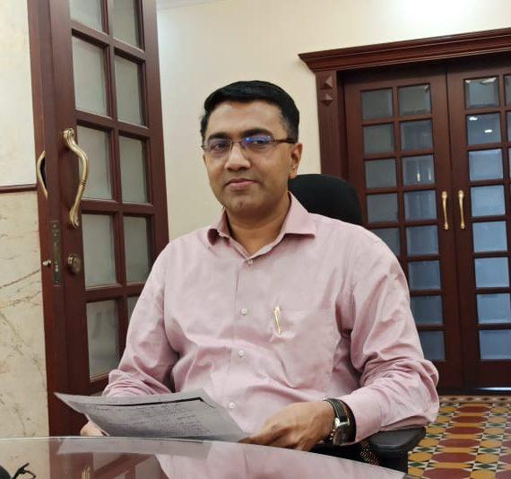 ३० मार्च, २०२० ह्या दिसा,अल्तिन्हो पणजी आपल्या निवासस्थानांन मुखेलमंत्री डॉ. प्रमोद सावंत,प्रेसाकडे उलयताना