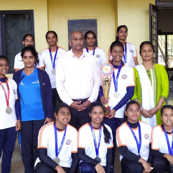 Asstt. Director of DSYA Shri Gurudas Vernekar is seenwith the winners of National Dodgeball U-17 girls team Directorate of Sports and Youth Affairs, Campal, Panaji.
