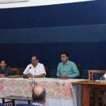 मुख्यमंत्री डॉ. प्रमोद सावंत हांच्यानी आयज २१ मार्च २०२० रोजी सचिवालय, पोरवोरिम हांगा सीओव्हीआयडी -१९ हाचेर फुडले कार्य योजण तयार करपाखातीर विभाग प्रमुखांन बैठक घेतली. मुख्य सचिव श्री परिमल राय, मुख्यमंत्र्यांचे सचिव श्री जे. अशोक कुमार, सचिव आरोग्य श्रीमती. नीला मोहनन, गोवा सरकारच्या अन्य सचिवांनी आनी विभागप्रमुखांनी हाजीर आसले