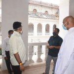 बॉंम जिझस ऑफ बॅसिलिकाचेर भारतीय पुरातत्व सर्वेक्षणचे काम मुख्यमंत्री डॉ. प्रमोद सावंत तपासणी करताना
