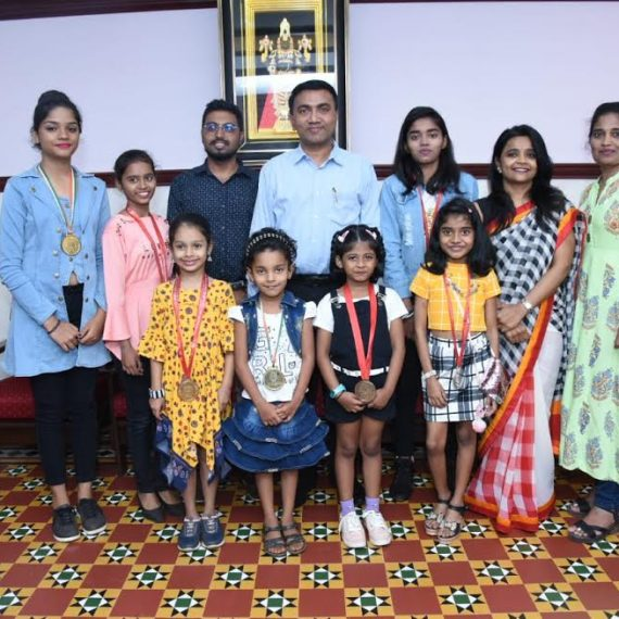 The Chief Minister Dr. Pramod Sawant is seen with the participants of National Dance Sports Championship 2020 who visited him at his Altinho residence today on Dec. 20,2019.