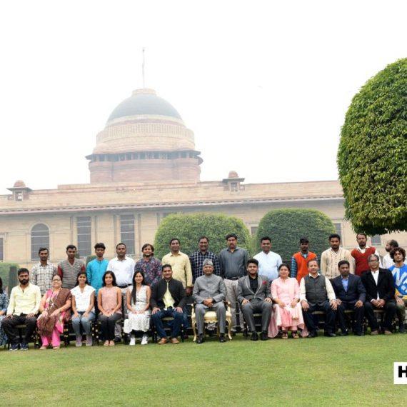 भारतीय कलावंतांनी भारताच्या राष्ट्रपतींचेर आवाहन केले