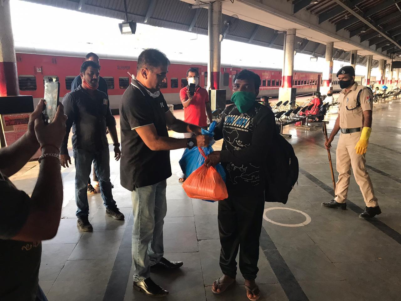 3095 PASSENGERS LEAVES FOR ODISHA AND JHARKHAND