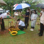 Chief Minister Dr. Pramod Sawant Planted Tree sapling as a part of Van Mahotsava at the Goa University campus at Taleigao Plateau