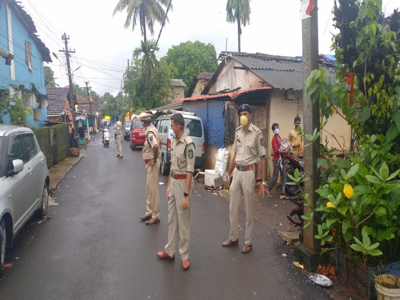 North Goa Senior Police Officials Visited and inspected containment zone In Chimbel.