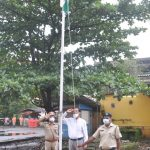 Additional Collector- III, North District, Shri Mahadev Araudekar unfurling the national tri-colour at Mapusa on the occasion of Independence Day Celebrations on August 15, 2020
