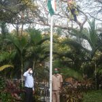 Chief Minister Dr. Pramod Sawant unfurled the tri-colour at Mahalaxmi, the Official Residence of the Chief minister at Altinho
