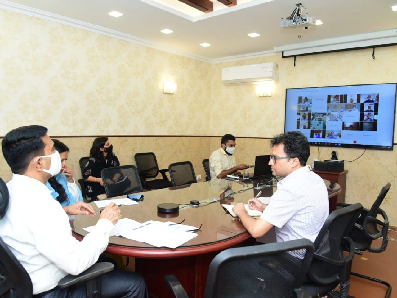 Chief Minister Dr Pramod Sawant held Meeting with Revenue Officers on COVID-19 Management, to ensure stricter enforcement of norms in the State.