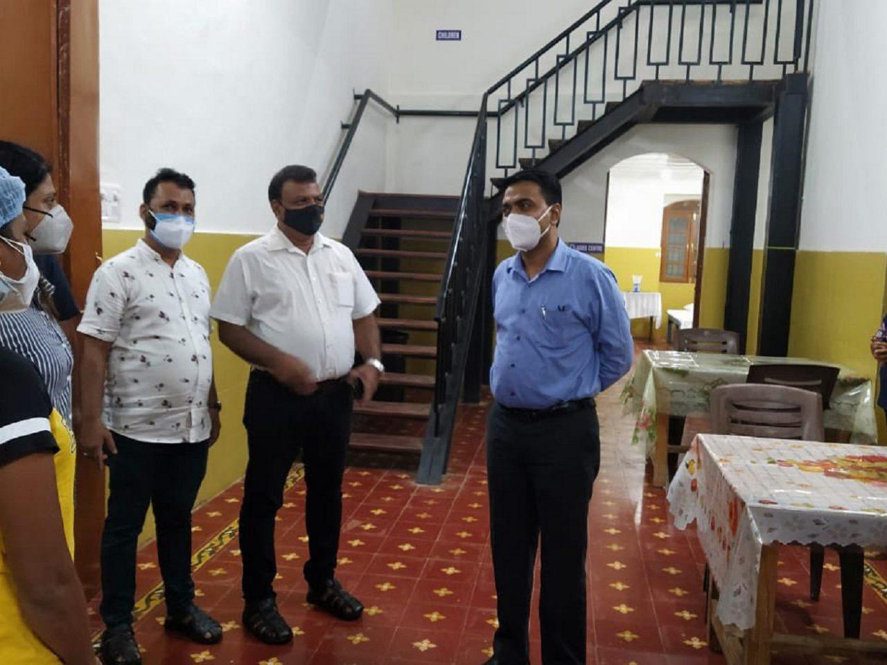 Chief Minister Dr.Pramod Sawant visited Covid Care Center managed by Wilfred D'Sa Charitable Society at Majorda.