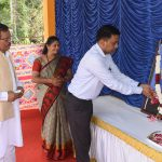 Chief Minister, Dr. Pramod Sawant paid floral tributes to Lal Bahadur Shastri at Old Goa on Oct. 2, 2021.